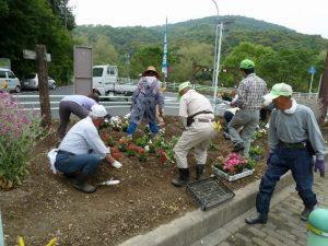 環境美化グループ 町内花壇の整備